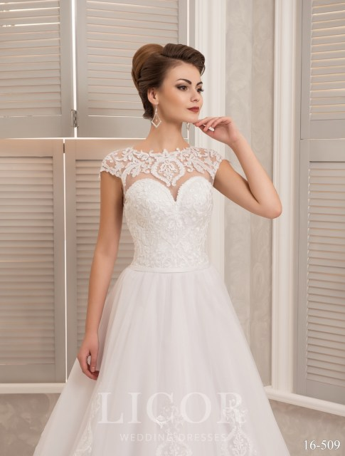 Wedding dresses in bulk from the manufacturer